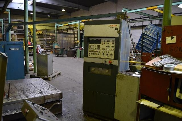 4220 - CNC-Vert. Bearbejdningscenter - PEDERSEN - Type: VEPEMATIC 20HC
